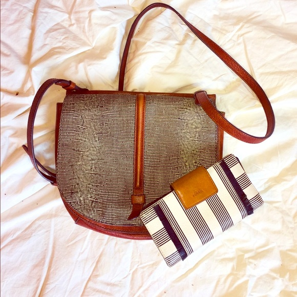 Handbags - Fossil Crossbody Purse